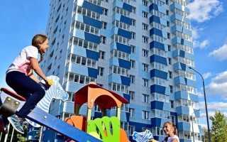 Жители Митино обсудили вопросы реновации с префектом СЗАО